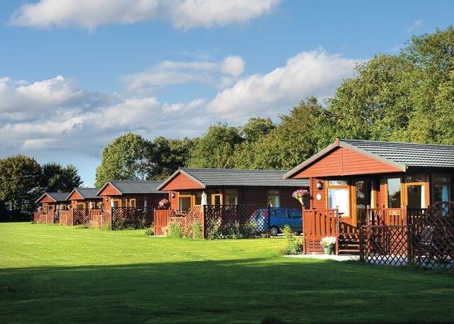 Athelington Hall Farm Lodges All Logcabinholidays Com