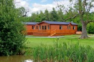 oak lodge beaconsfield farm holiday park
