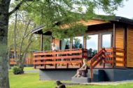 couple enjoying conifer lodges